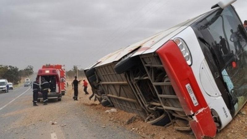 سيدي بوزيد: 16 جريحا في انقلاب حافلة سياحية جزائرية