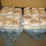 فيديو: الديوانة الجزائرية تُحبط تهريب مليوني أورو إلى تونس