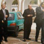 صورة اليوم: سيارة مُتواضعة للراحلة ميّ الجريبي في ساحة قصر قرطاج