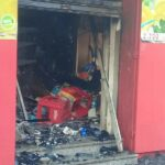 بنزرت: حريق يلتهم مغازة (صور)