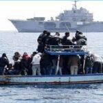 بينهم أطفال: الجيش ينقذ 11 حارقا تونسيا جنوبي لمبادوزا