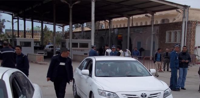 غلق المعابر البرية بين تونس وليبيا