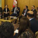 حذّره من التدخّل في الحزب: الخماسي يدعو الشاهد لإعفاء وزراء النّداء