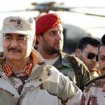 جزائريون لحفتر: جيشك تشكيل من القتلة مدعوم بالمال الخليجي والسّلاح الصهيوني