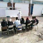 بوحجلة : تلاميذ يدرسون بساحة المعهد بسبب عدم جاهزية القاعات !
