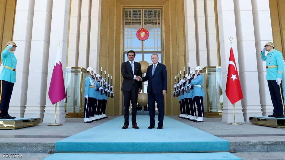 "أمير قطر يُهدي أردوغان ""قصرا طائرا"" (صور)"