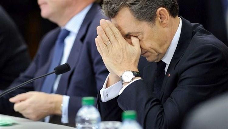 فرنسا: إحالة ساركوزي على المحاكمة