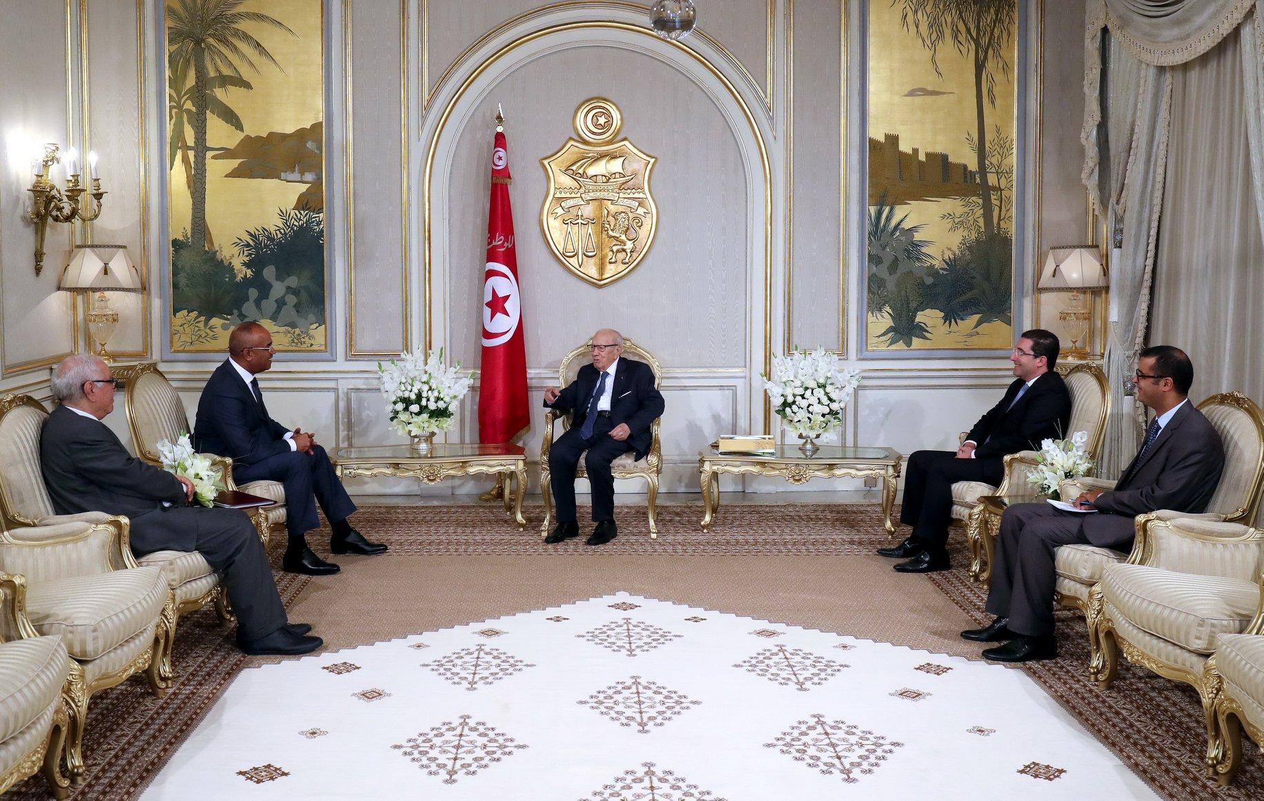وزير الدّاخلية الجزائري في قصر قرطاج