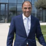 أصغر ملياردير في فرنسا، تونسي-فرنسي الجنسية