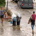 زغوان/فيديو : عائلة عالقة وسط مياه الأمطار