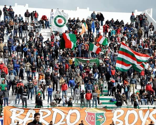 الملعب التونسي يوصد أبواب ملعبه في وجه المجموعات