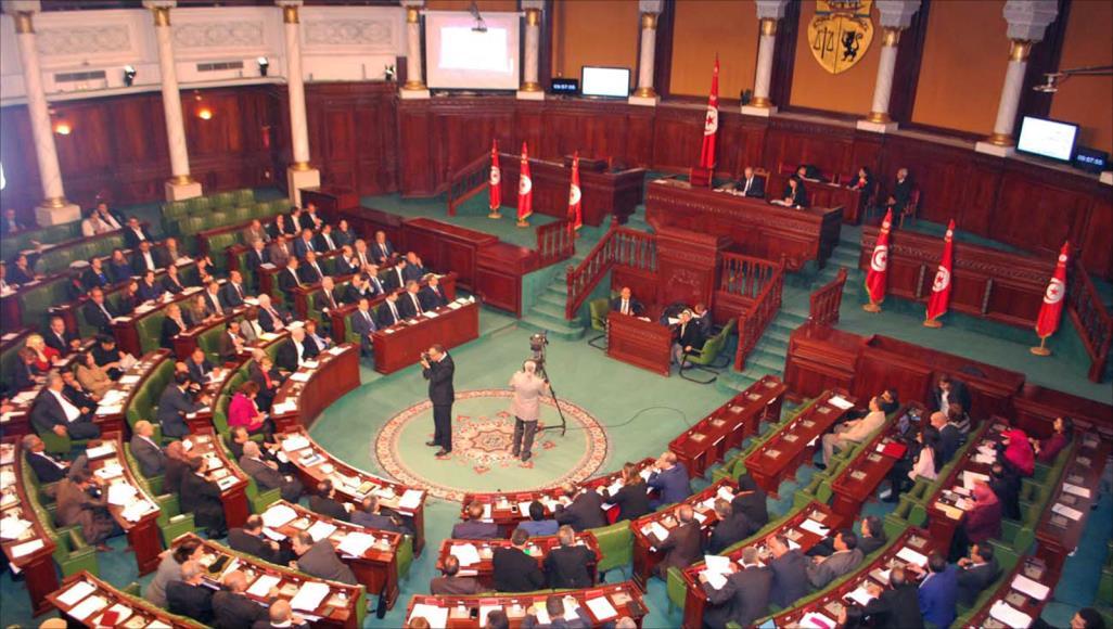 الشّاهد يطلب من البرلمان موعدا لجلسة منح الثّقة