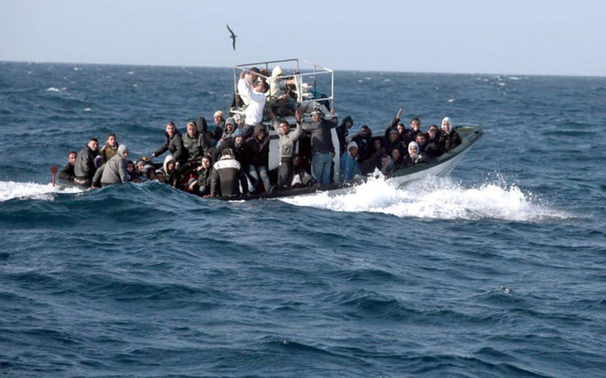 """بينهم تونسيون: إنقاذ 44 """"حارقا"""" بسواحل ليبيا"""