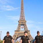 """فرنسا: غلق برج إيفل تحسّبا لمظاهرات """"السترات الصّفراء"""""""