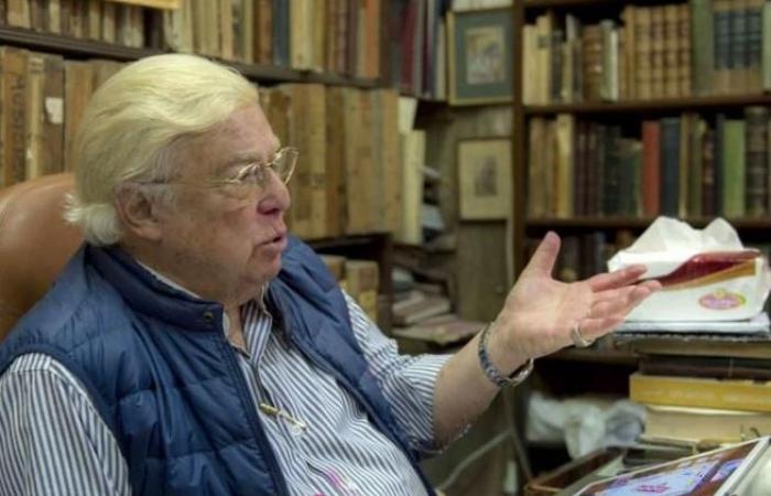 أمريكي اقترح شراءها بـ17 مليون دولار: تشميع مكتبة فنّان مصري لا تُقدّر بثمن