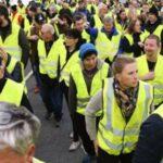 احتجاجات السترات الصفراء: مجلس الشيوخ الفرنسي يُقرّ إجراءات طارئة
