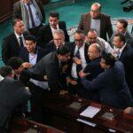 بعد توتّر ونقاشات ساخنة وغيابات: البرلمان يُصادق على دستور مالية الدولة