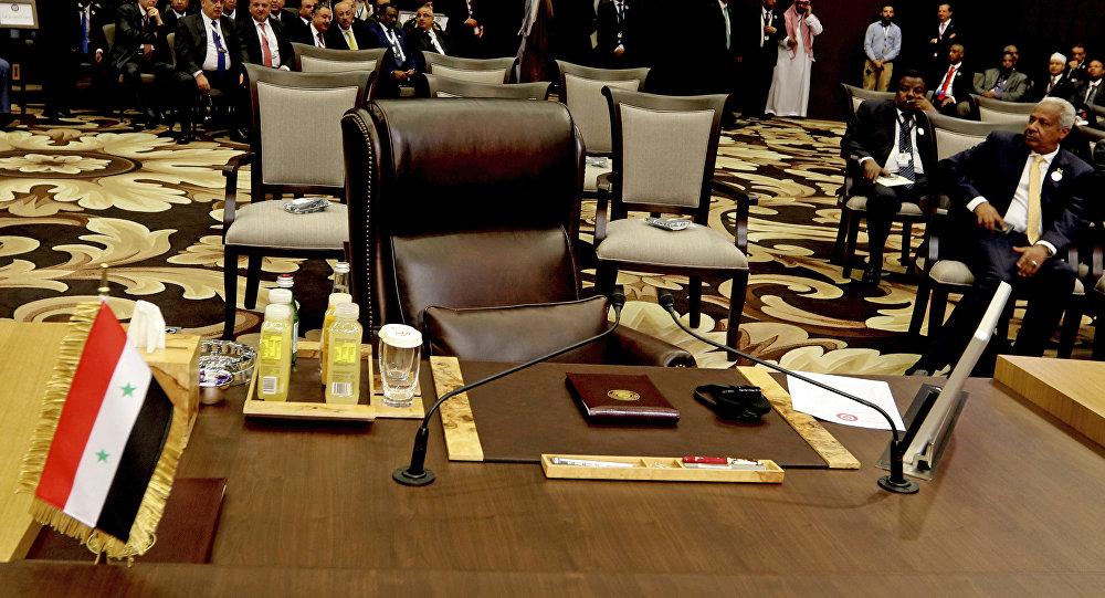 موقع روسي: الباجي سيُجري مشاورات في لبنان لدعوة بشار الأسد لقمة تونس