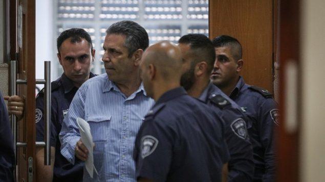 بتُهمة التجسّس لإيران: اسرائيل تحكم بـ11 سنة سجنا على وزير الطاقة السابق