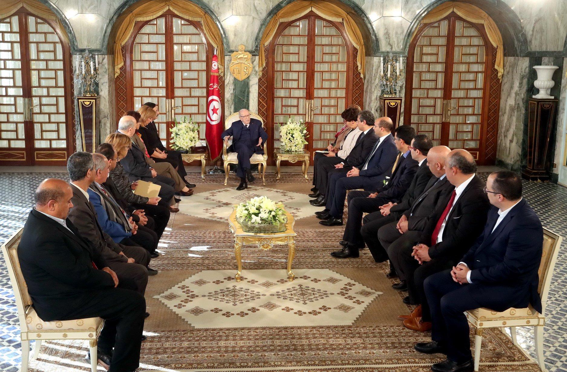 رئيس الجمهورية يتعهّد بدعم الصحافة المكتوبة والإلكترونية