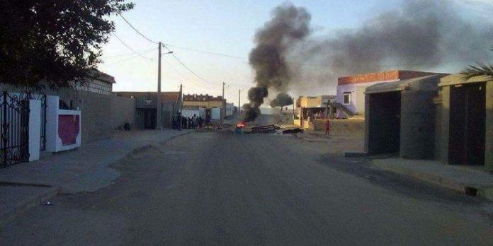 حرق إطارات مطاطية وغلق الطريق ببوحجلة