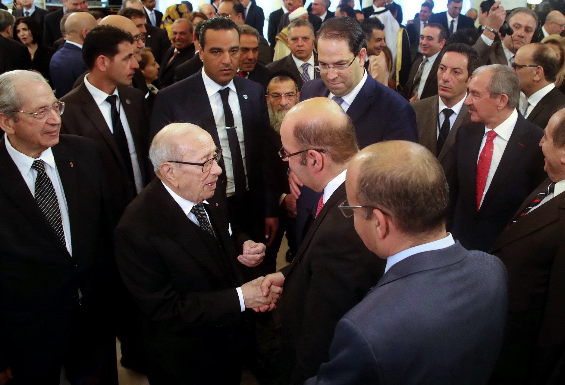 الناصر والشاهد وحكومته ورؤساء البعثات الديبلوماسية في قصر قرطاج