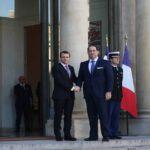 يريد استنساخ تجربة الرئيس الفرنسي : الشاهد EN MARCHE ...