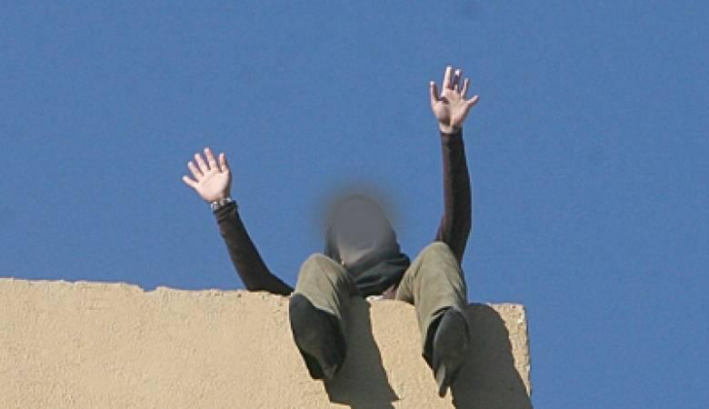 بوحجلة: تلميذة تُلقي بنفسها من الطابق الثاني لمبيت مدرسي !
