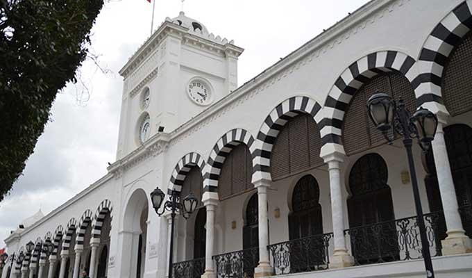 وزارة المالية تُذكّر بآجال تسوية الوضعيات الجبائية