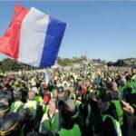 """فرنسا: """"السترات الصفراء """"تحتفل بـ4 أشهر من انطلاقها بالعصيان والحداد"""