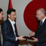 """انتقادات كبيرة لـ""""أوزيل"""" بسبب أردوغان"""