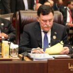 """قمة تونس/ السراج لداعمي حفتر : """"لن نسمح بعسكرة الدولة الليبية"""""""