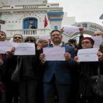 نقابة الصحفيين تتّهم الحكومة وتُهدّد بالاضراب العام