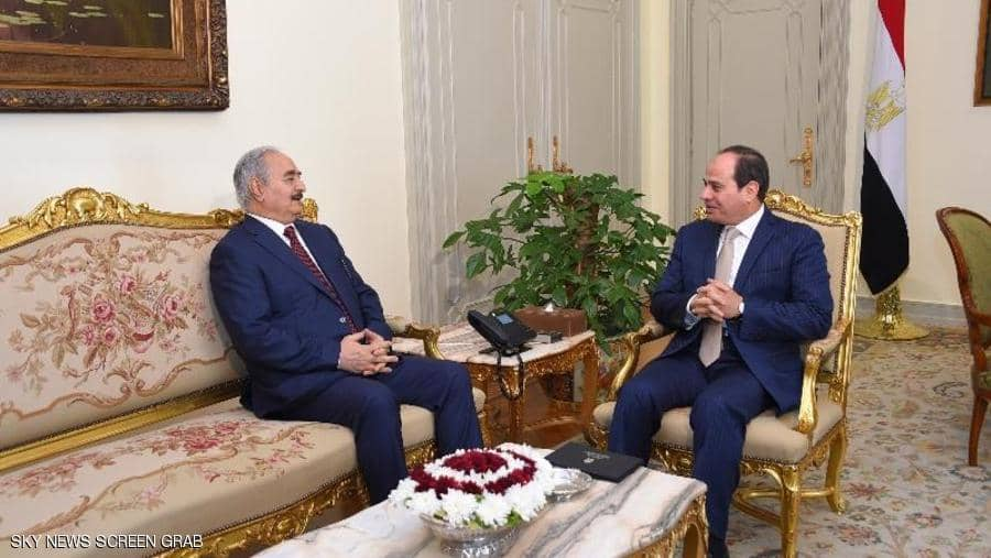 مع تواصل معركة طرابلس: اجتماع مفاجئ بين السّيسي وحفتر