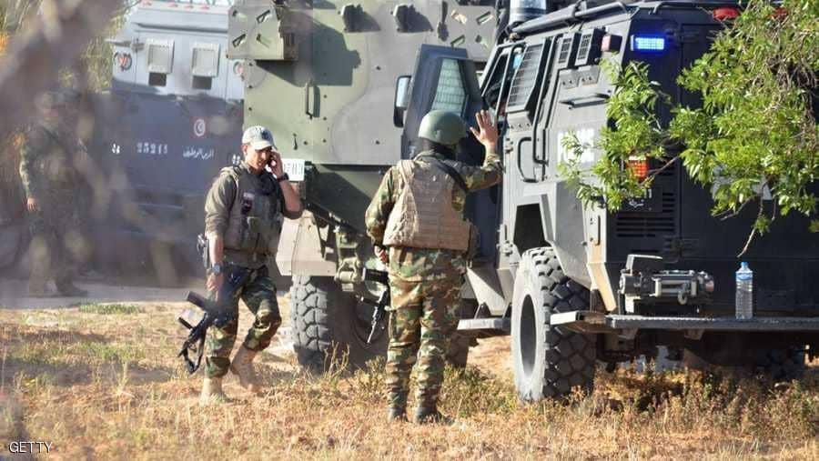 الشعانبي: انفجار لغم على عربة عسكرية