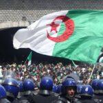 الجزائر: الشرطة توقف إرهابيين مُدجّجين بالسلاح حاولوا الاندساس في المظاهرات