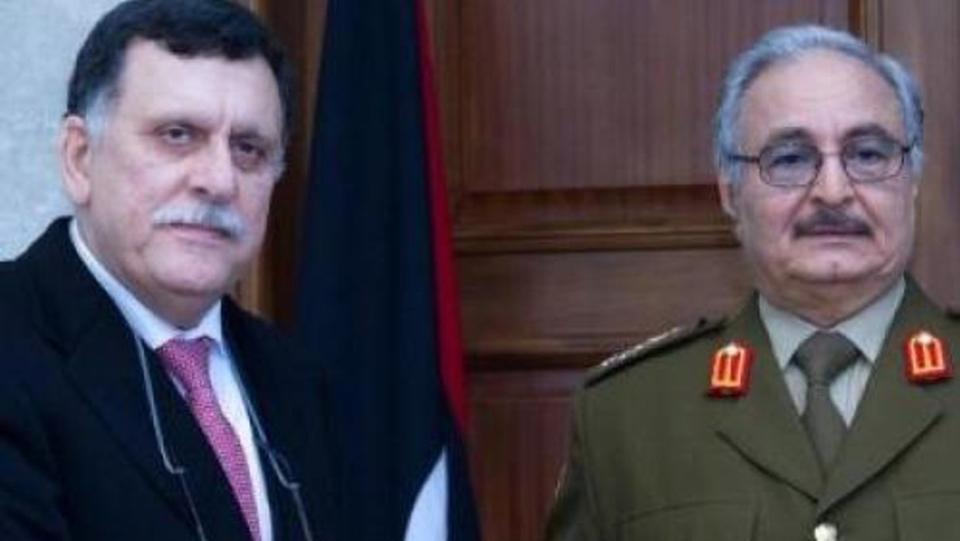 """السراج: """"فرنسا تدعم الدكتاتور خليفة حفتر """""""