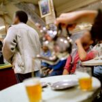 بـ 4 ولايات : أصحاب المقاهي يُطالبون بالتّرفيع في التسعيرة