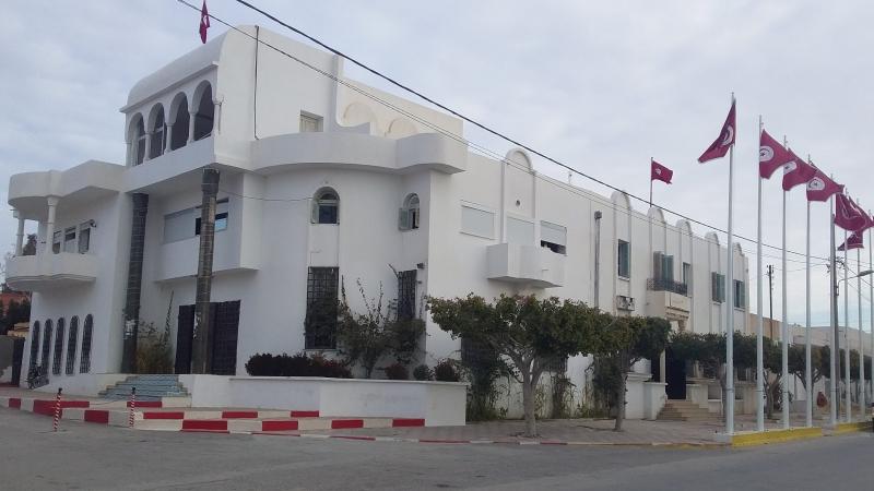 رئيس بلدية ور.م.ع شركتين : استقالة جماعية بفريانة ردّا على الشاهد والوالي