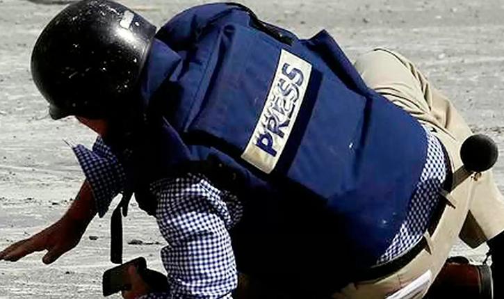 يليهم السياسيون : المواطنون يتصدرون قائمة الاعتداءات على الصحفيين