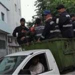 نقل أعوان نظافة على متن شاحنة لرفع الفضلات: بلدية تونس تفتح تحقيقا