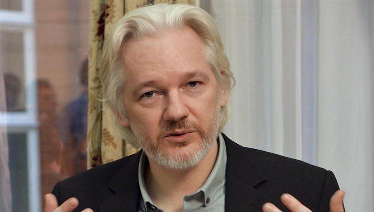 """مؤسّس """"ويكيليكس"""" يُواجه 17 تهمة جديدة"""