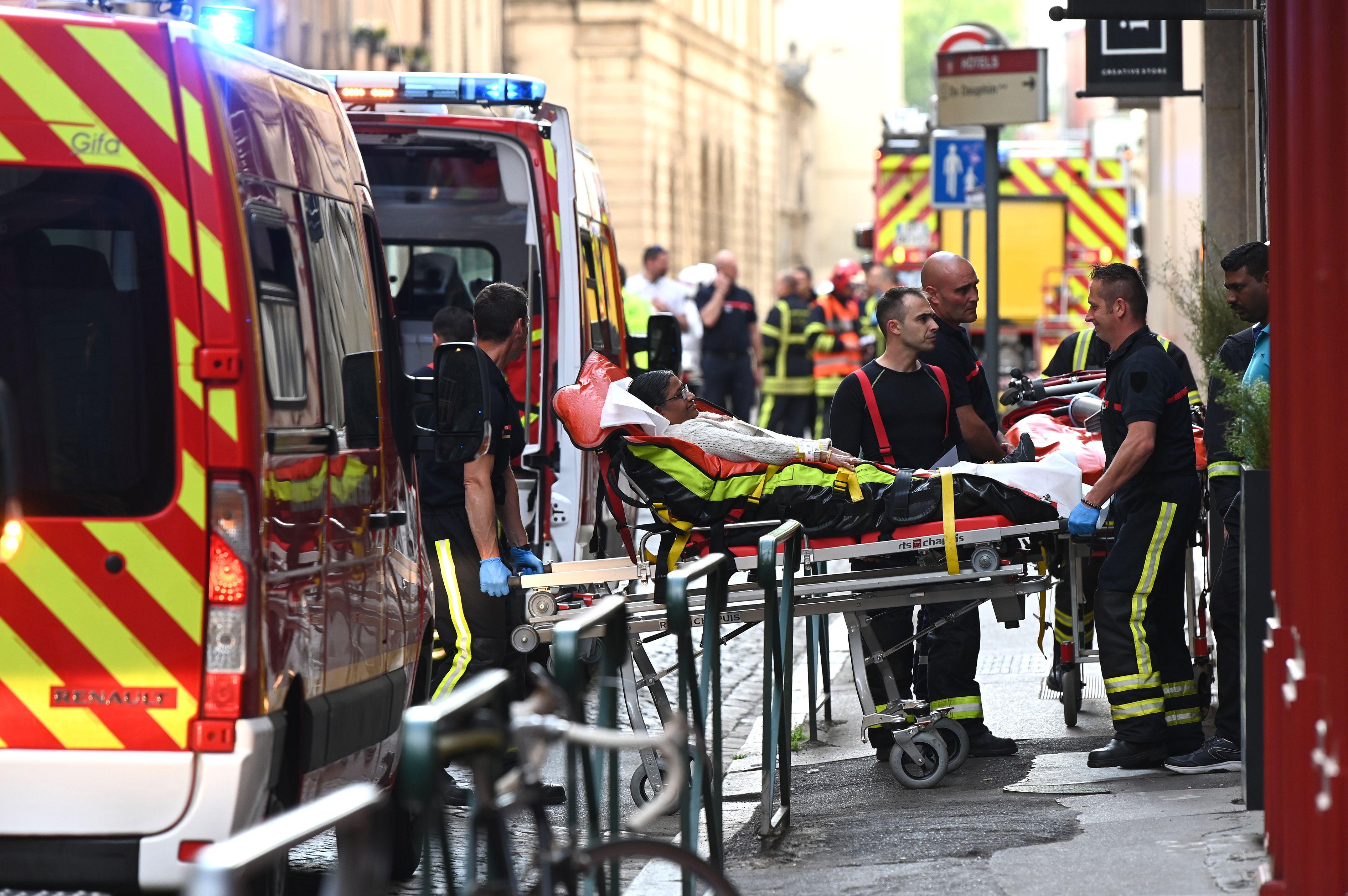 فرنسا: انفجار طرد مُفخّخ وسقوط 13 جريحا