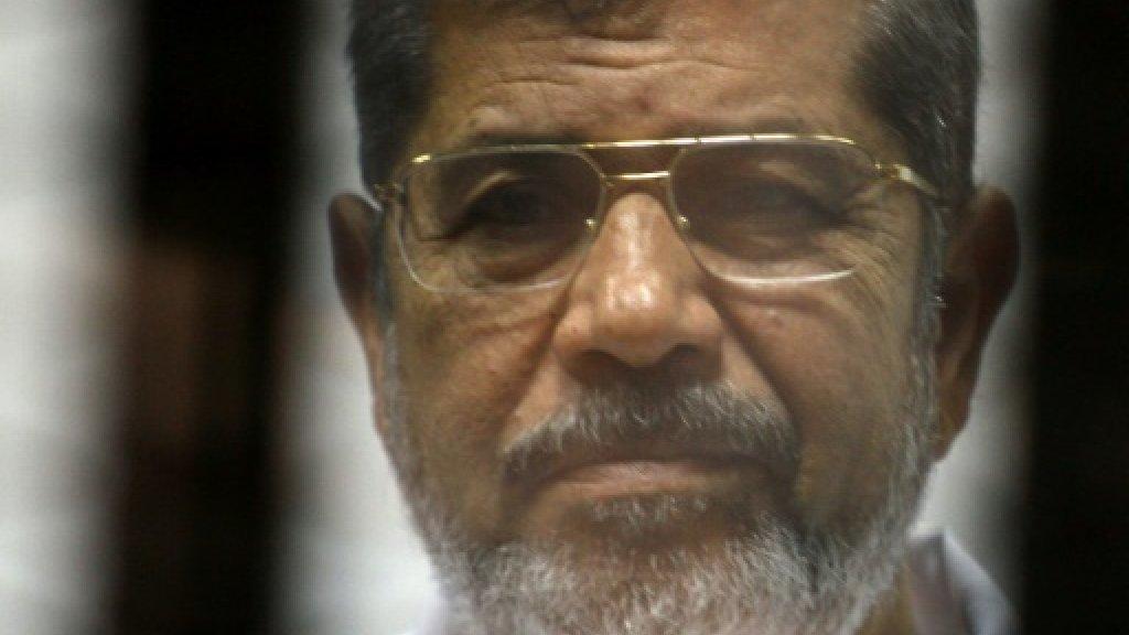 رفع درجة التأهب لنقل جثمان مرسي واجراءات أمنية مشددة في الجنازة