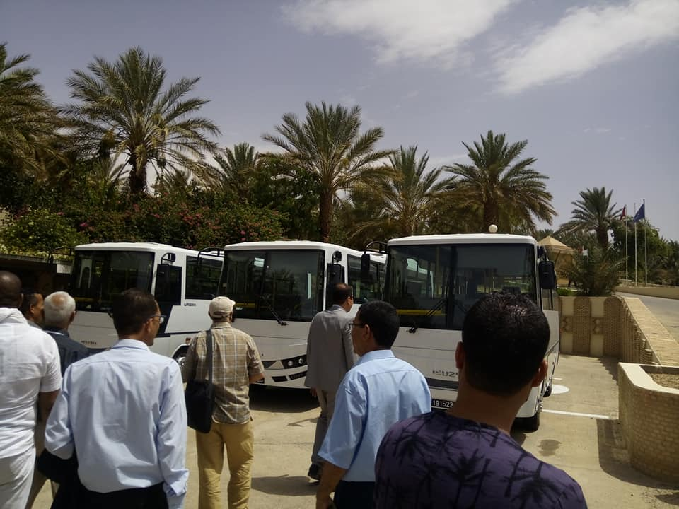 قطر تهب ولاية توزر 9 حافلات