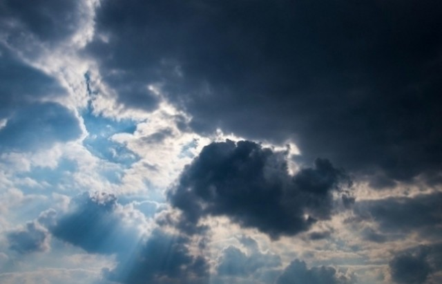 طقس اليوم : خلايا رعدية .. أمطار وانخفاض درجات الحرارة