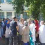 إقالة مدير مستشفى الكاف: الأعوان يحتجون ويُطالبون بإعادته والاعتذار له