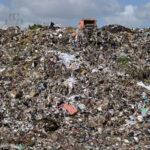 وكالة التصرف في النفايات تُطمئن عُمّال مصب برج شاكير