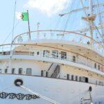 وزارة الدفاع تكشف أسباب رُسوّ سفينة عسكرية جزائرية بحلق الوادي