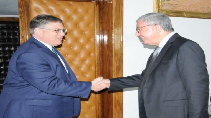 في لقاء بالزبيدي: سفير أمريكا يُجدّد دعم بلاده تونس في مكافحة الارهاب
